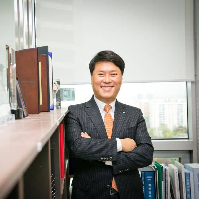 Jang Won Lee, CEO, Bluebird Inc.