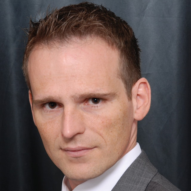 Lars Oelke