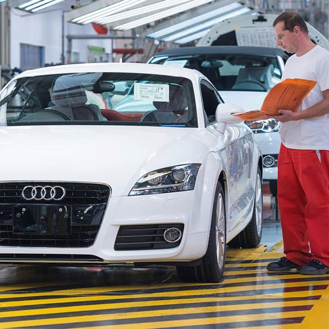 Vehicle Tracking at Audi with UHF RFID