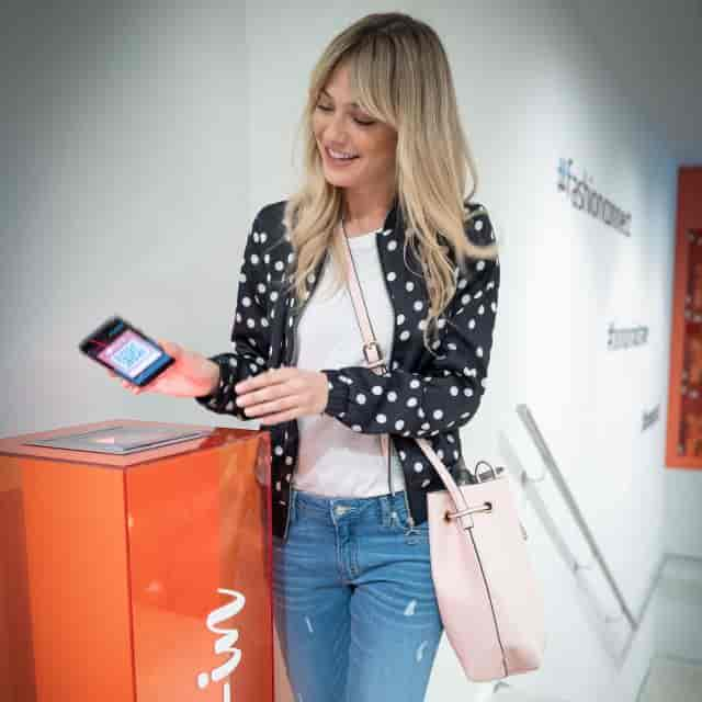 Digital Shopping with RFID in Bonprix's Future Store