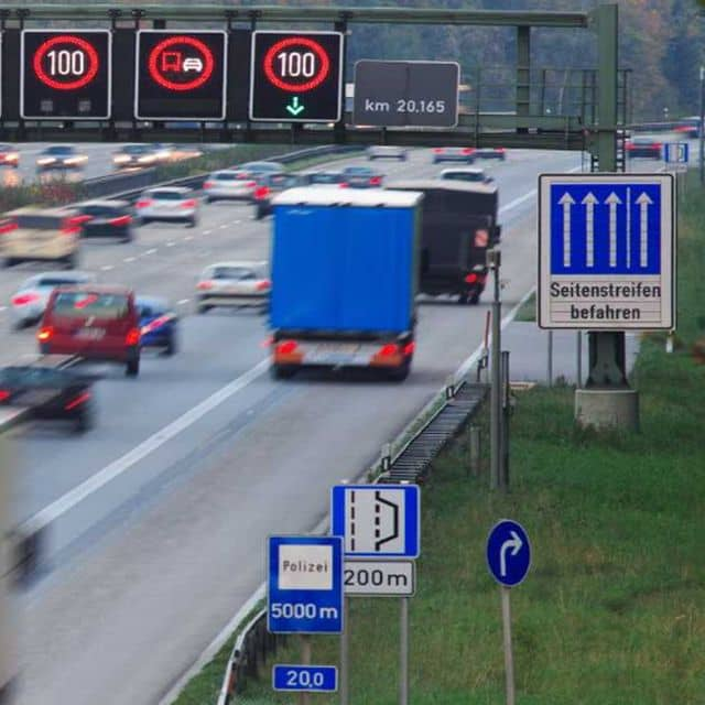 Early Congestion Detection Ensures Maximum Traffic Flow